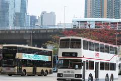 DX2437 @ 40 , PC2872 @ 6F 由 Ming Cho 於 九巴月輪街車廠右轉寶輪街梯( 月輪廠出廠梯)拍攝