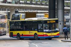 RR5725 @ 12 由 Middle Finger 於 民祥街左轉香港站巴士總站梯(香港站入站梯)拍攝